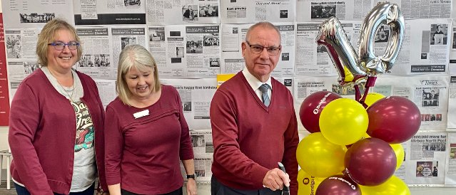 Picture of Kim Farquharson, Susan Clarke and Alan Bannister celebrating 10 years service where Bendigo Bank